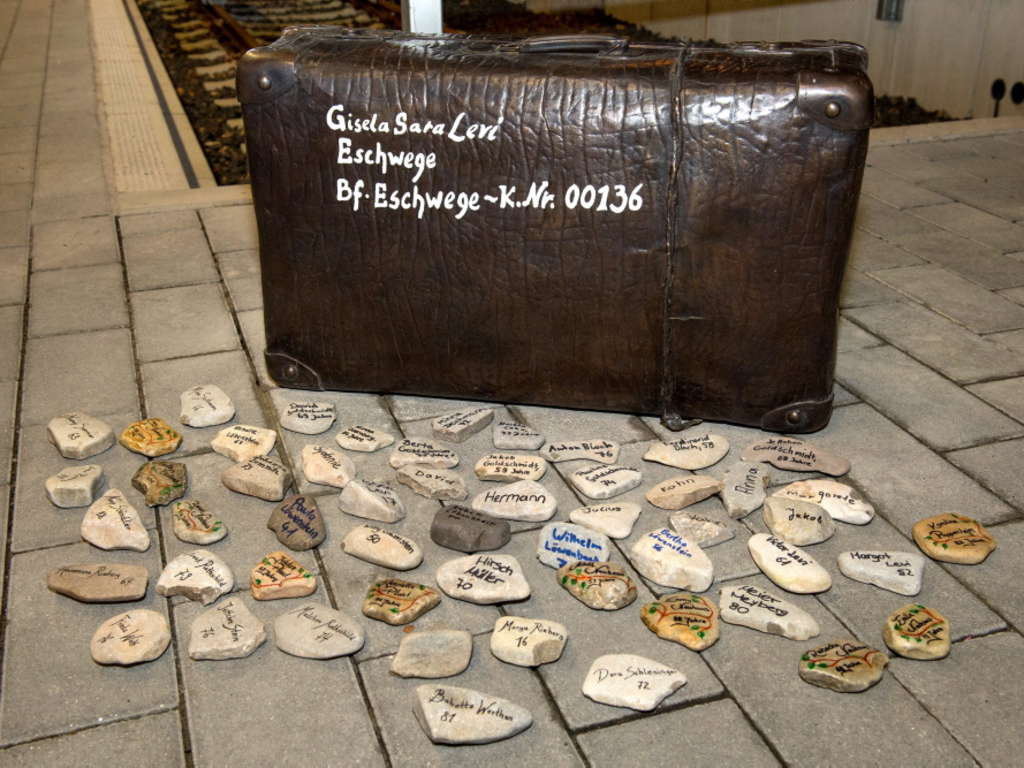 Kofferdenkmal Eschwege Bahnhof